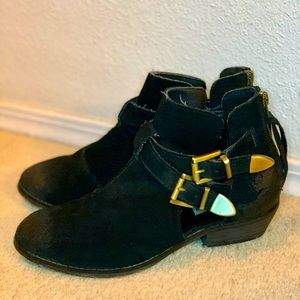 Steve Madden Ankle Bootie